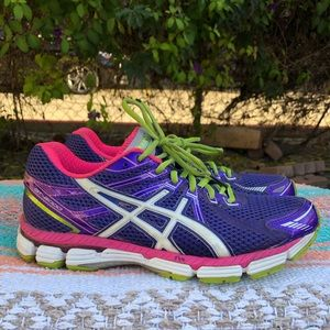 ASICS Purple/Pink GT-2000 Athletic Running Sneaker